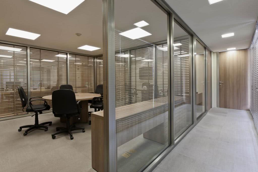 Escritórios Modernos de Vidro